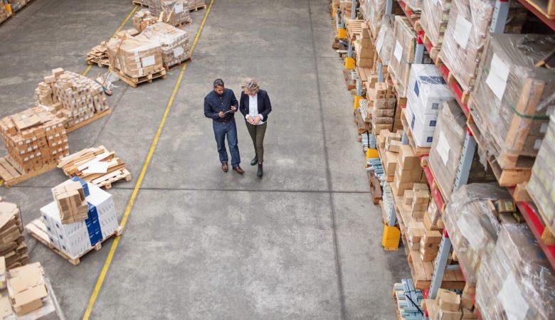 Com gestão de estoque eficiente o gestor passar a ter uma visão mais ampla das entradas e saídas da empresa, diminuindo as chances de perder uma venda ou acúmulo de mercadorias.